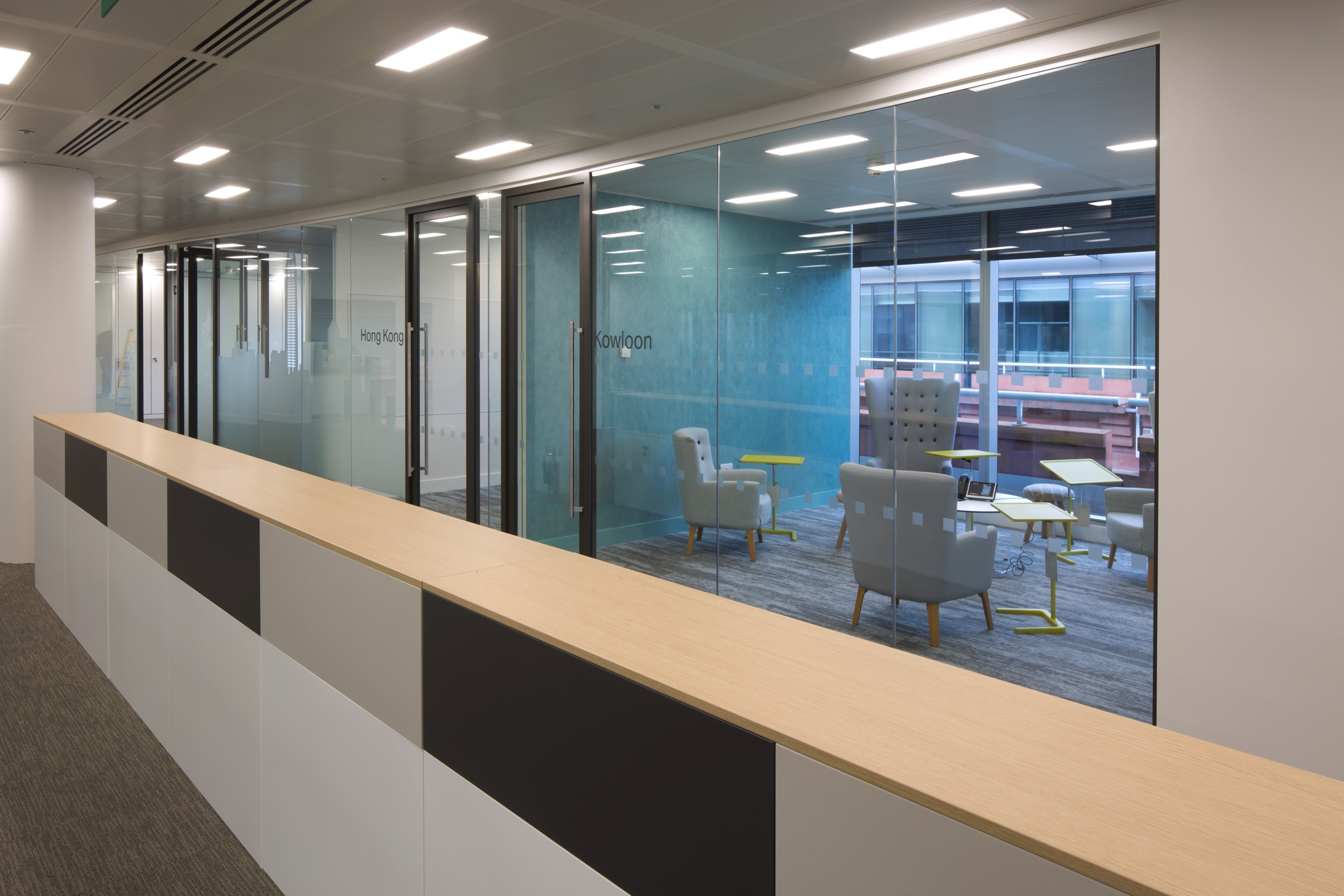 Cathay Pacific, London - Office Inspiration
