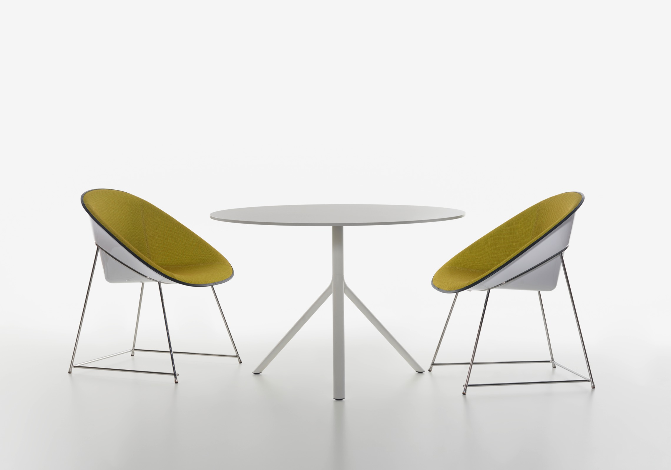 CUP Armchair - Office Inspiration