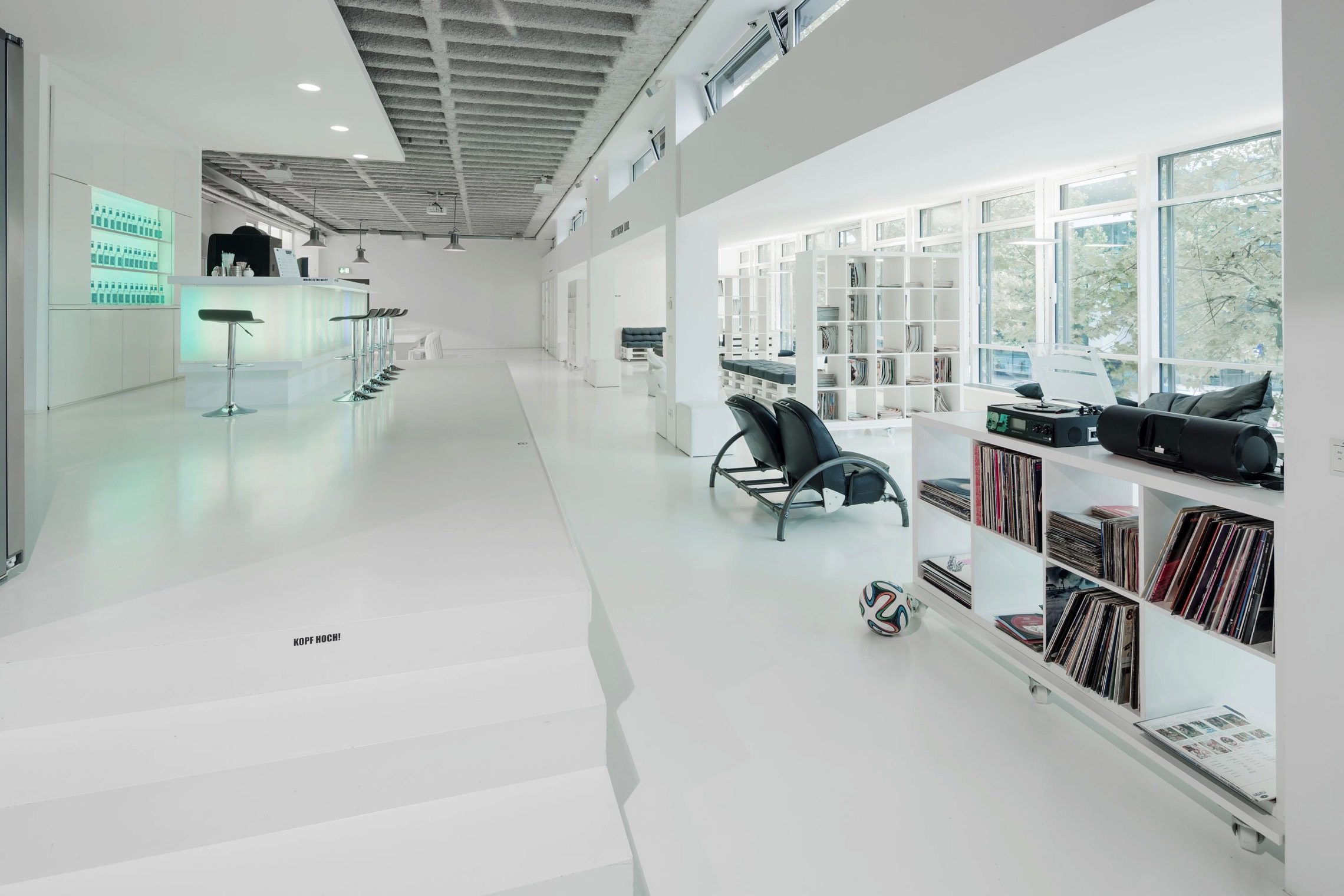 How To Design Spaces For People With >> Urban Offices Office Inspiration